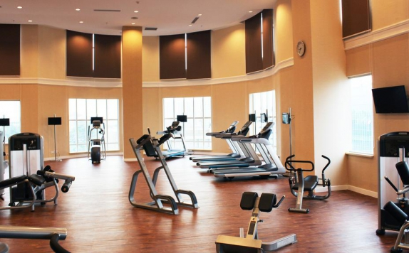 Gym and Fitness Center di Adimulia Hotel Medan