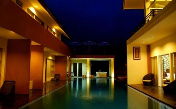 Swimming Pool di Aie Angek Cottage