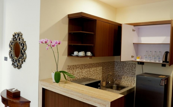 Kitchen di Arena Living Sanur