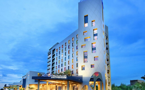 Front view di Aston Palembang Hotel & Conference Center