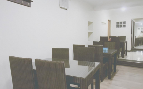 Restaurant di Bantal Guling Guesthouse Trans