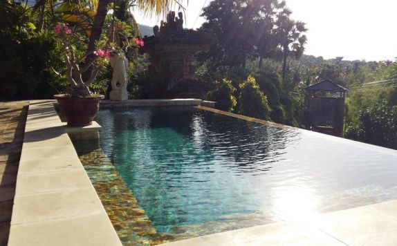 swimming pool di Bayu Cottages Hotel & Restaurant
