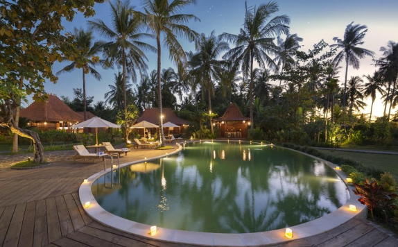 Swimming Pool di Beach Villa Mutiara Lombok