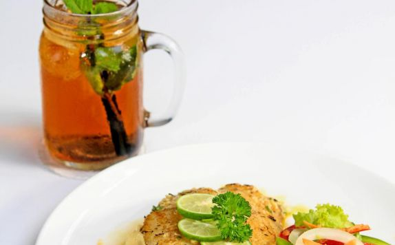 food and beverage di Berry Biz Hotel