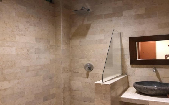 Bathroom di Bukit Daun Hotel and Resort