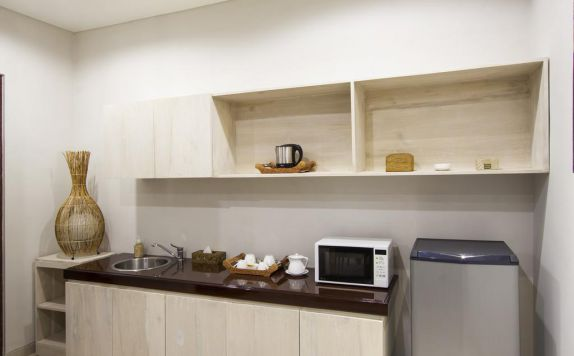 kitchen di Casa di Ungasan Suite and Residence