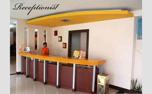Receptionist di Ceria hotel