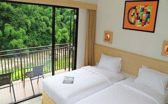 Twin Bed di Dream Resort Ciwidey