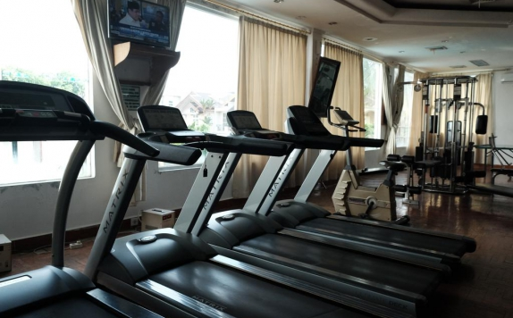 Gym  Center di Emerald Garden International