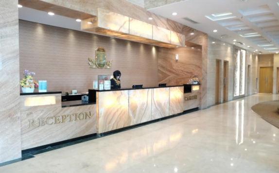 Receptionist di Emerald Garden International