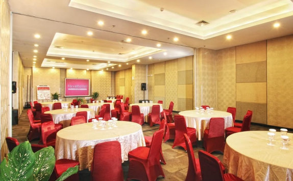 Functional Hall di Favehotel Manahan