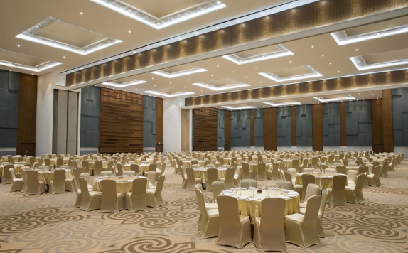 ballroom di Four Points by Sheraton Makassar