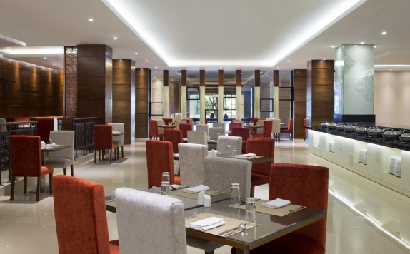 restaurant di Four Points by Sheraton Makassar