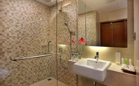 Bathroom di Golden Tulip Essential
