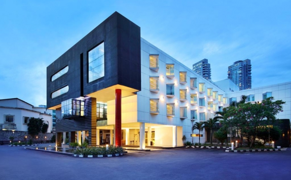 Front View di Grand Kemang