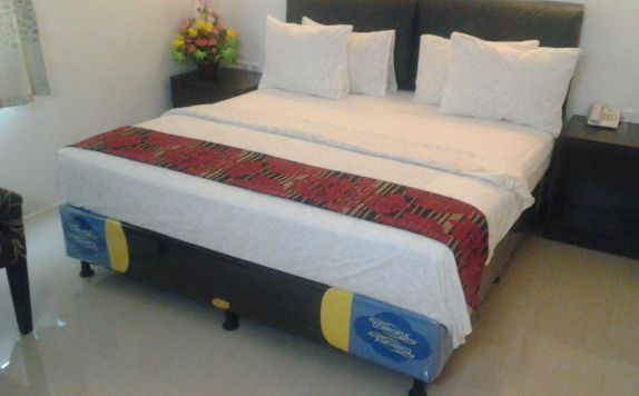 Double Bed Room Hotel di Grand Populer Hotel