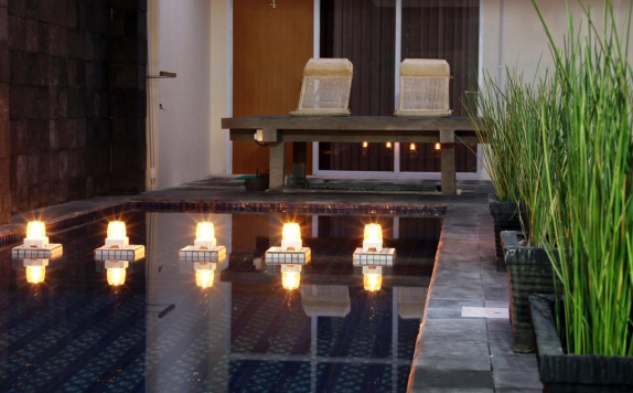 Swimming Pool di Green Leaf Guest House