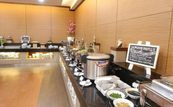 Food and Beverages di Hotel 88 Tendean