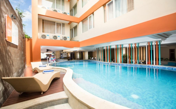 swimming pool di Hotel Siesta Legian