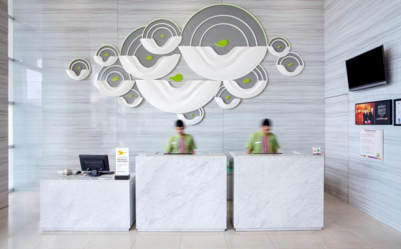 Receptionist di Ibis Styles Malang