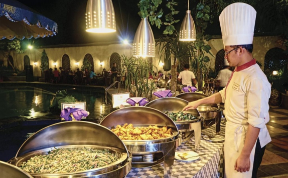 Food & Beverages di Jayakarta Hotel & Spa