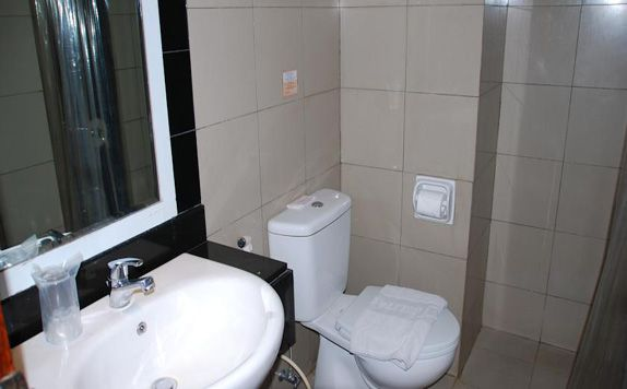 Bathroom di Jelita Hotel