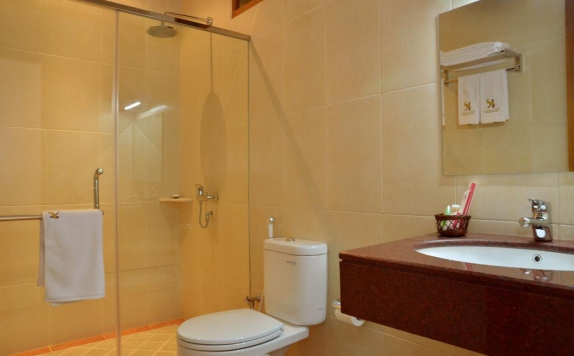 Bathroom di Kertanegara Guest House