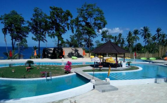 Swimming Pool di Kinaari Resort