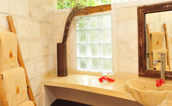 Bathroom di La Joya Villa And Bungalows