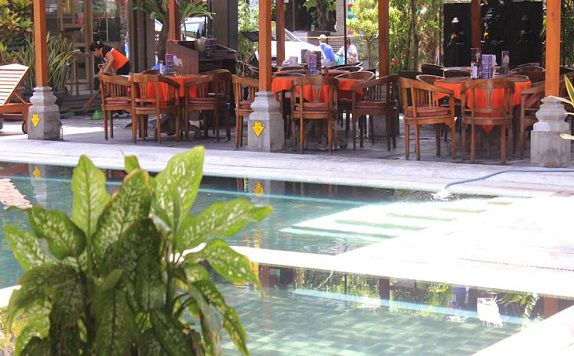 Pool Outdoor di Legian Village