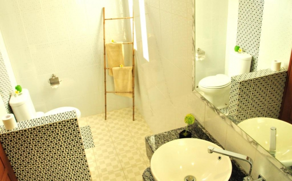 bathroom di M2 Villa