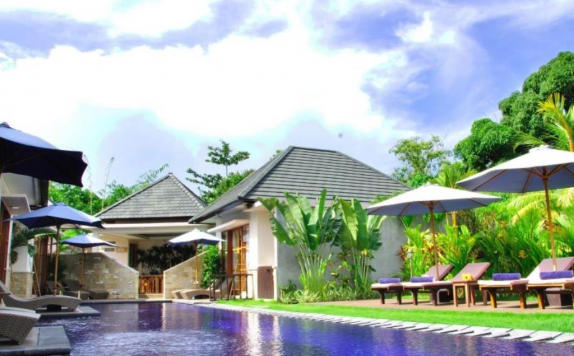 Swimming Pool di M2 Villa