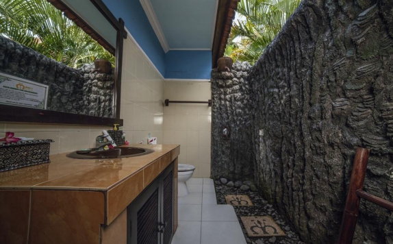Bathroom di Man's Cottages and Spa
