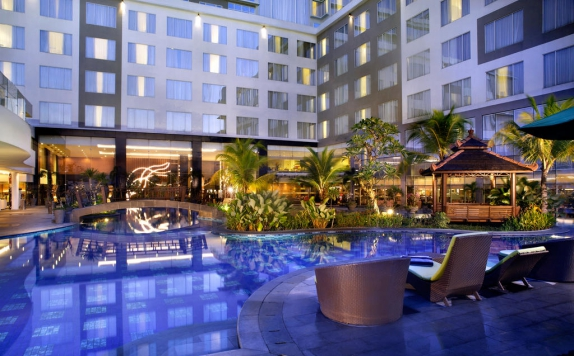 Swimming Pool di Mercure Banjarmasin City Centre