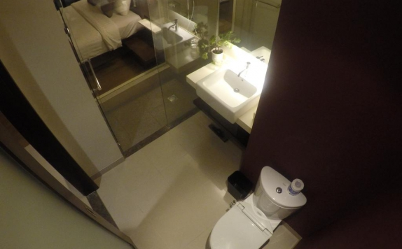 Bathroom di M Regency Makassar