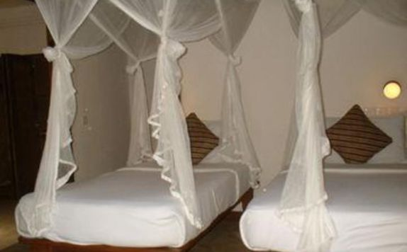 guest room twin bed di Natura Resort & Spa
