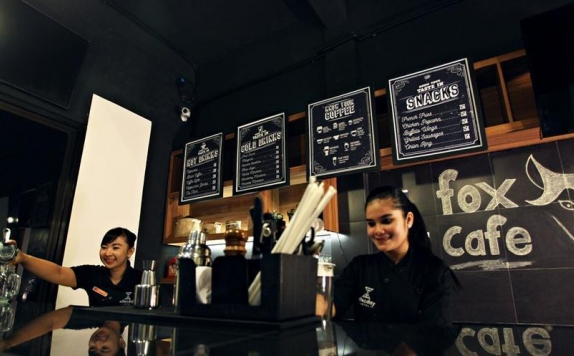 coffee shop di Nite & Day Surabaya Gunung Sari