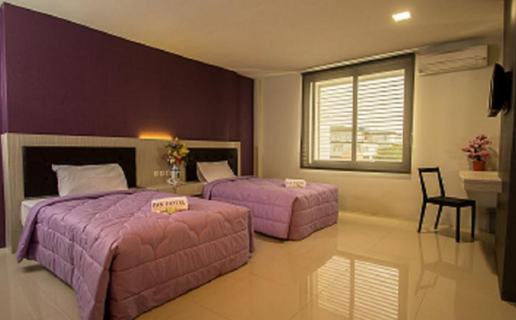 guest room twin bed di Pax Hotel
