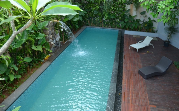 Outdoor Pool Hotel di Pejaten Valley Residence