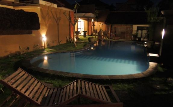 Outdoor Pool Hotel di Praschita Bali