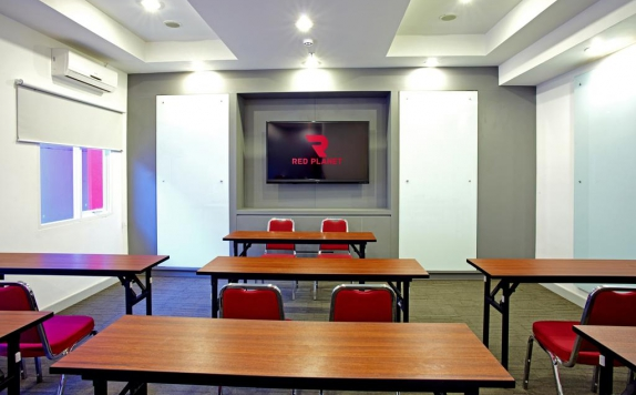 Meeting room di Red Planet Makassar