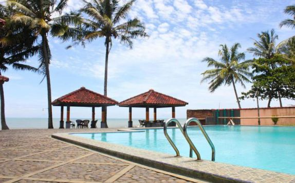Swimming Pool di Resort Prima Anyer