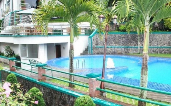 Swimming Pool di Royal Denai Hotel
