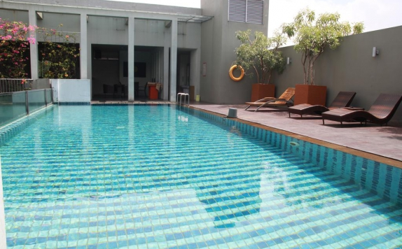Swimming Pool di Sparks Hotel