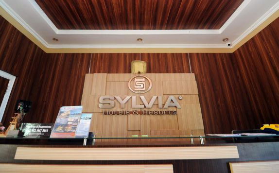 Front Office di Sylvia Resort Komodo Flores