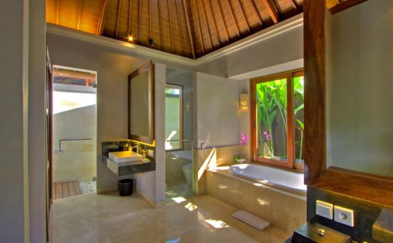 bathroom di The Akasha Villa