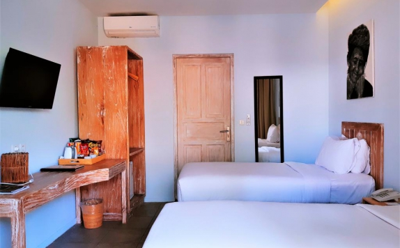 interior di The Beach House Resort Lombok