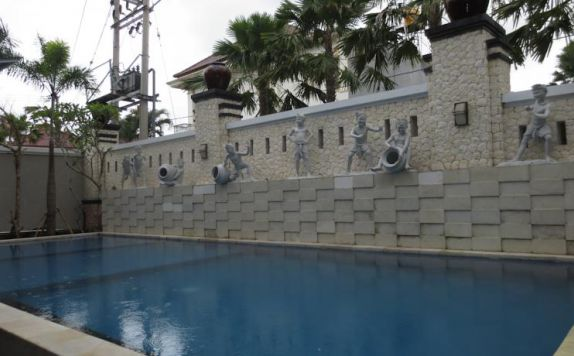 swiming pool di The Grand Bali Park Hotel