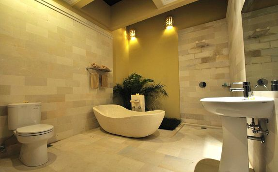 Bathroom di The Jas Villas
