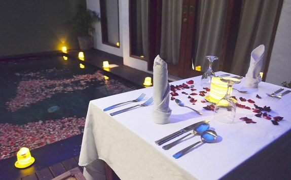 Romantic Dinner di The Jas Villas